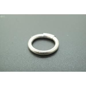 Jewelry - Womens 14K White Gold Thread  Over Rubber Stackabl